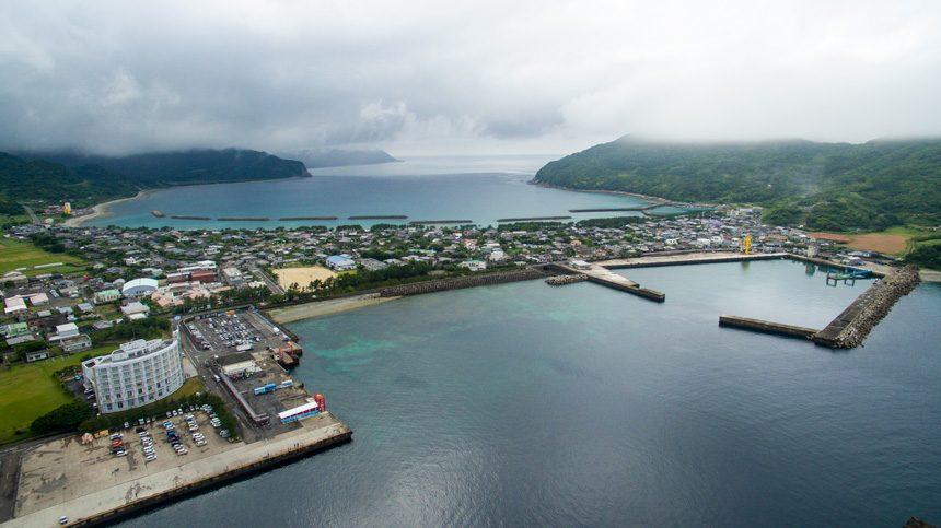 甑島イカつり大会競技エリアの一つ里港周辺